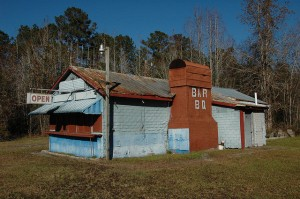 bells-bar-b-q-shed-stand-restaurant-roadside-southern-food-iconic-us-highway-17-camden-county-ga-pressed-tin-false-brick-siding-picture-image-photo-copyrigh[1]