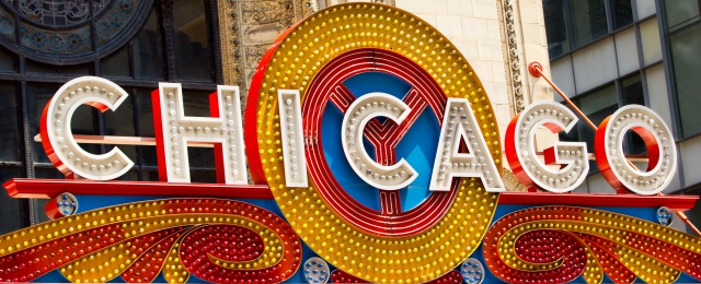 Chicago_Theatre_sign_Close_up[1].jpg