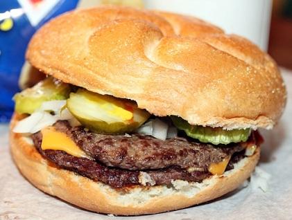 billy-goat-tavern-chicago-cheeseburger-610x4071