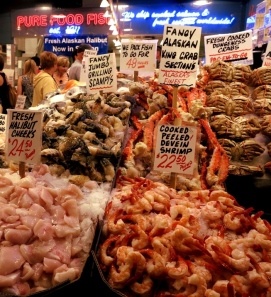 fresh-seafood-pike-place-market-in-seattle-double-barrelled-travel1
