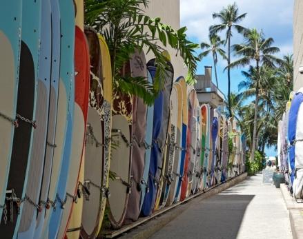 waikiki_surfboard_rack[1]
