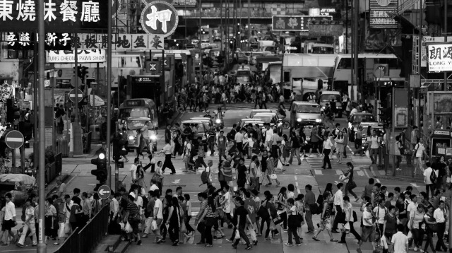 http___mashable.com_wp-content_gallery_rush-hour-around-the-world_hong-kong[2]