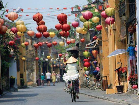 Hoi-An-Vietnam-in-2-weeks-800[1]