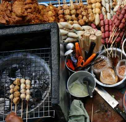Top-5-Sights-to-see-in-Vietnam-Vietnamese-Street-Food[1]